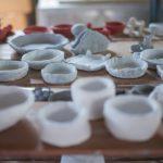 夏休みは「あぐりの丘」村のエリアの陶芸教室